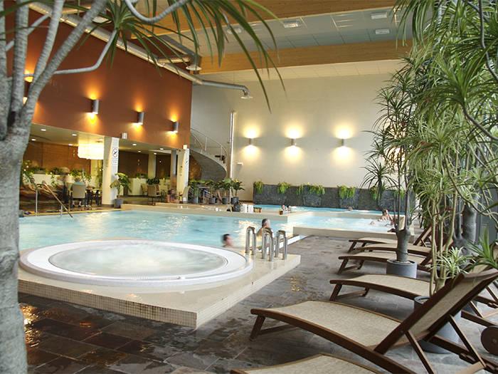 """Saunu un baseinu centrā """"Wellness Oasis"""" Jūs gaida dažādas pirtis un baseini."""