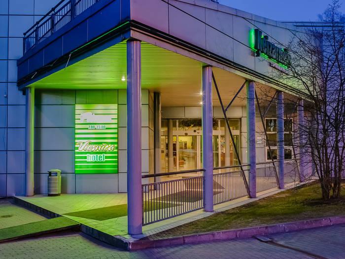 """""""Hotel Ķeizarmežs"""" atrodas vien dadažu minūšu gājienā no Rīgas zooloģiskā dārza."""
