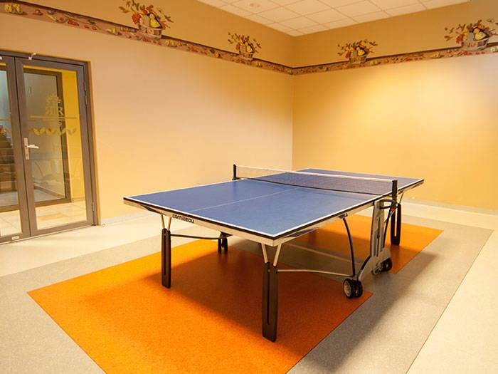 Varēsiet spēlēt arī galda tenisu.