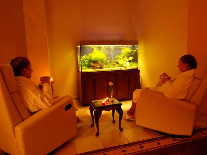Dzerot tēju un izbaudot aromterapiju, atslābināsieties relaksācijas istabā.