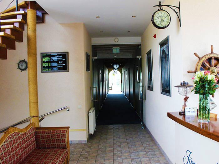 Hotel Jūrnieka Ligzda - Viesnīcas Liepājā
