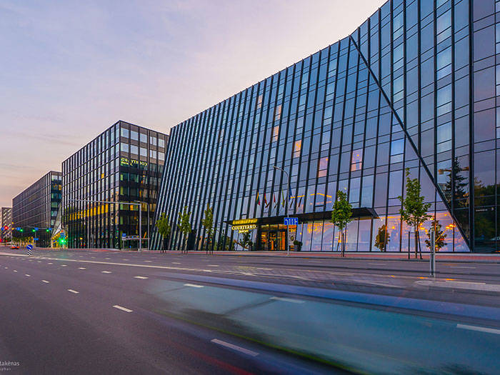 Courtyard by Marriott Vilnius City Center - Отели в Вильнюсе