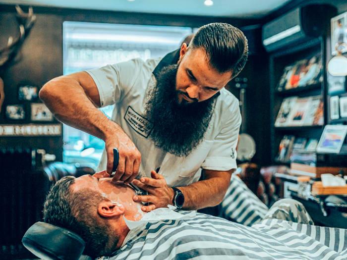 Wood Religion Barber Shop - Отели в Риге