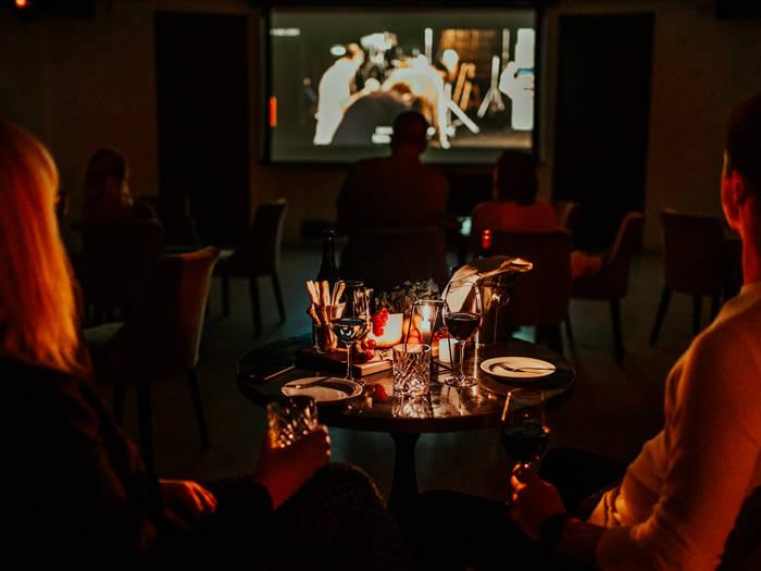 Винный ресторан ''Tinto'' - Отели в Риге
